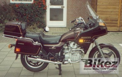 1982 Honda GL 500 Silver Wing specifications and pictures