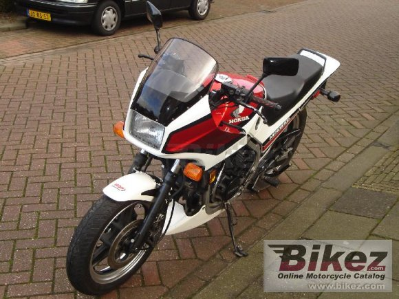1984 Honda VF 500 F photo