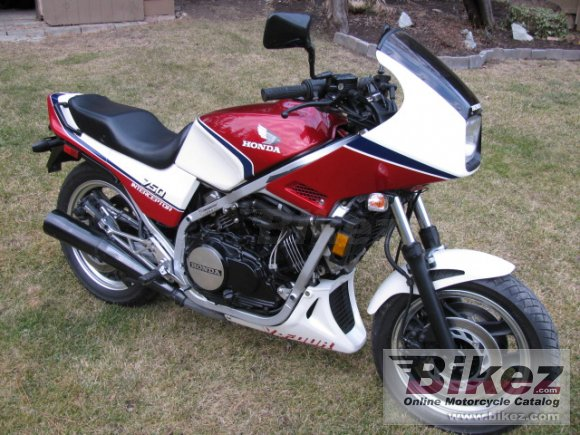 1984 Honda VF 750 F photo
