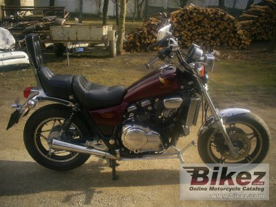 1984 honda vf 750 c specifications and pictures. Black Bedroom Furniture Sets. Home Design Ideas
