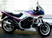 1985 Honda VF 500 F photo