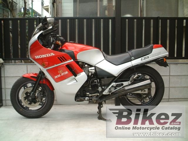 Big Tohru Suzuki cbx 750 f picture and wallpaper from Bikez.com