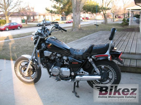 1986 Honda VF 700 C Magna photo
