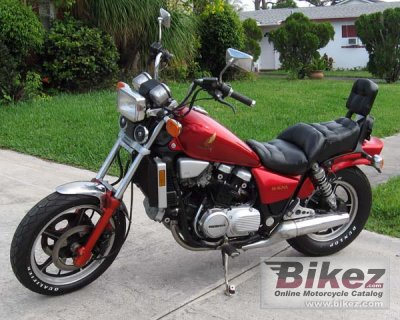 1986 Honda VF 700 C Magna specifications and pictures