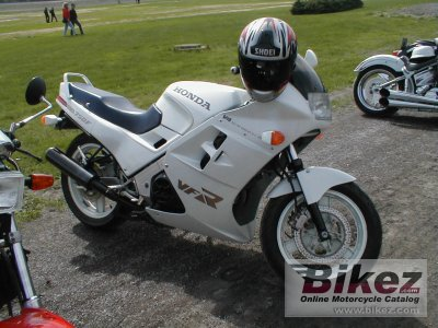 1986 Honda VFR 750 F (reduced effect)
