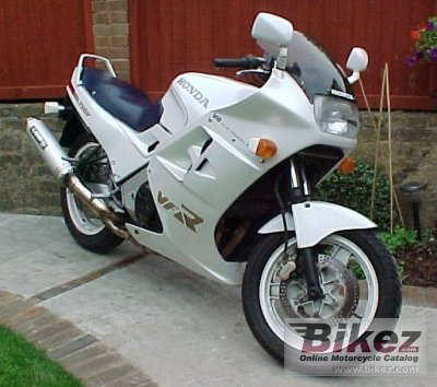 1987 Honda VFR 750 F (reduced effect)