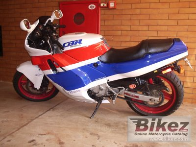 1989 Honda CBR 600 F (reduced effect)