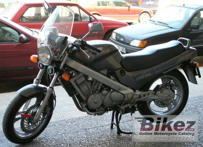 1989 honda ntv 650 revere specifications and pictures. Black Bedroom Furniture Sets. Home Design Ideas