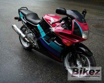 http://www.bikez.com/pictures/honda/1991/10101_0_1_2_cbr%20600%20f_Image%20credits%20-%20Saku.jpg