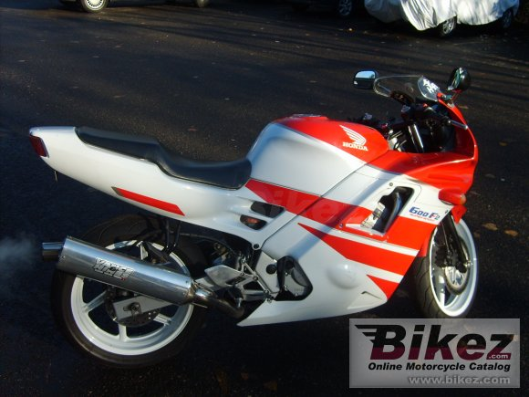 1991 Honda CBR 600 F (reduced effect)