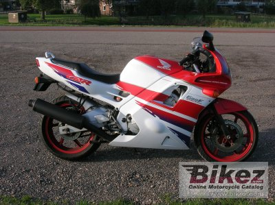 1992 Honda CBR 600 F specifications and pictures