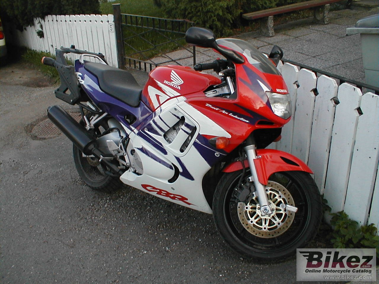 Big Harald Holm cbr 600 f picture and wallpaper from Bikez.com
