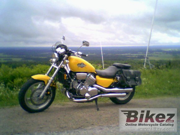 1994 Honda VF 750 C photo