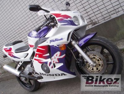 1994 honda cbr 250 rr specifications and pictures. Black Bedroom Furniture Sets. Home Design Ideas