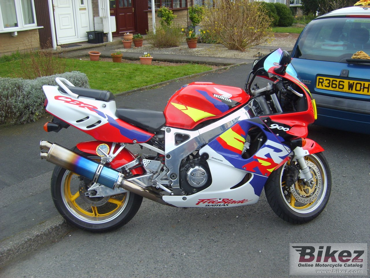 Big  cbr 900 rr fireblade picture and wallpaper from Bikez.com