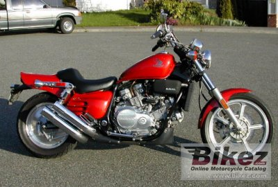 1998 Honda VF 750 C photo