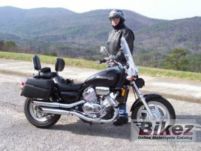 2000 Honda VF 750 C photo
