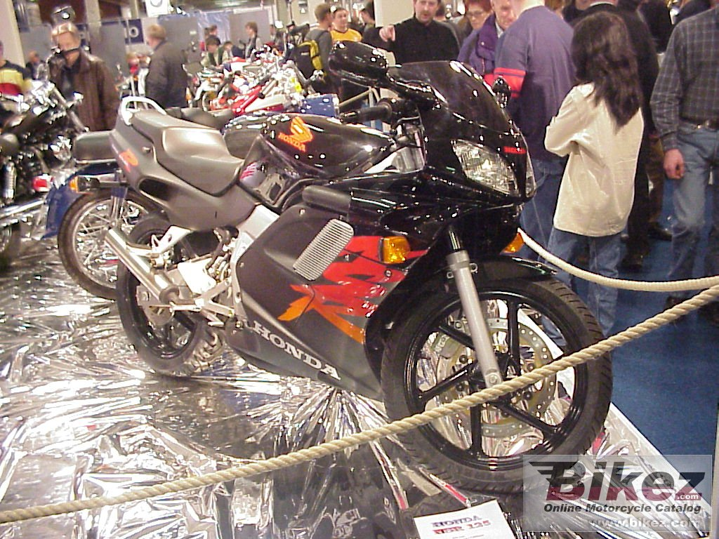 Big  Bikez.com. nsr 125 picture and wallpaper from Bikez.com