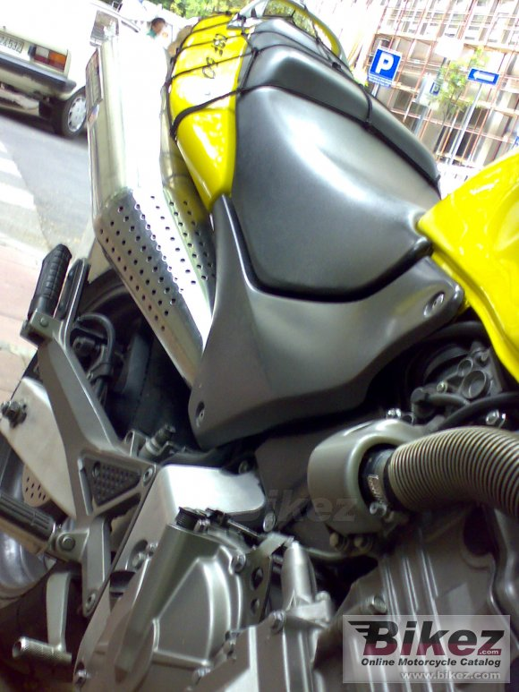 2001 Honda CB 600 F Hornet photo