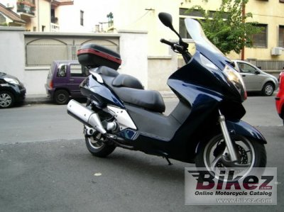 2001 Honda Silver Wing 600 photo