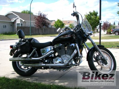 2001 honda vt 1100 c2 shadow specifications and pictures. Black Bedroom Furniture Sets. Home Design Ideas