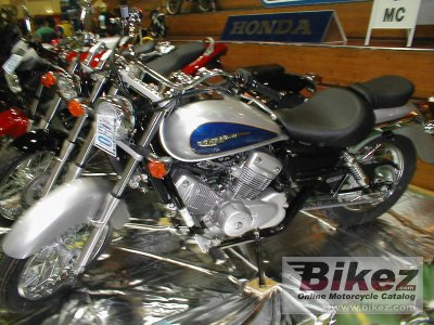 2001 honda vt 125 c shadow specifications and pictures. Black Bedroom Furniture Sets. Home Design Ideas