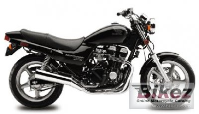 2002 Honda CB 750 Nighthawk photo