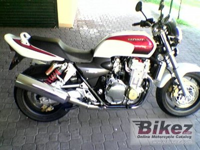 2002 Honda CB 1300 Super Four photo