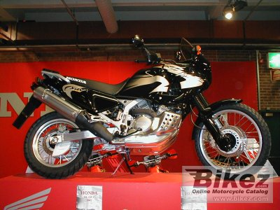 2002 Honda XRV 750 Africa Twin specifications and pictures