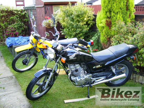2003 Honda CB 250 photo