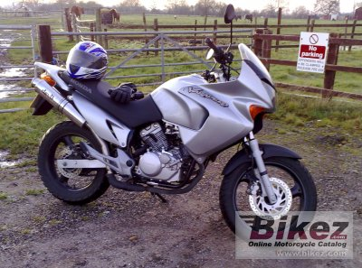 2003 honda xl 125 varadero specifications and pictures. Black Bedroom Furniture Sets. Home Design Ideas