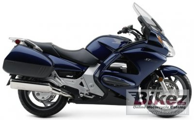2004 Honda ST 1300 photo