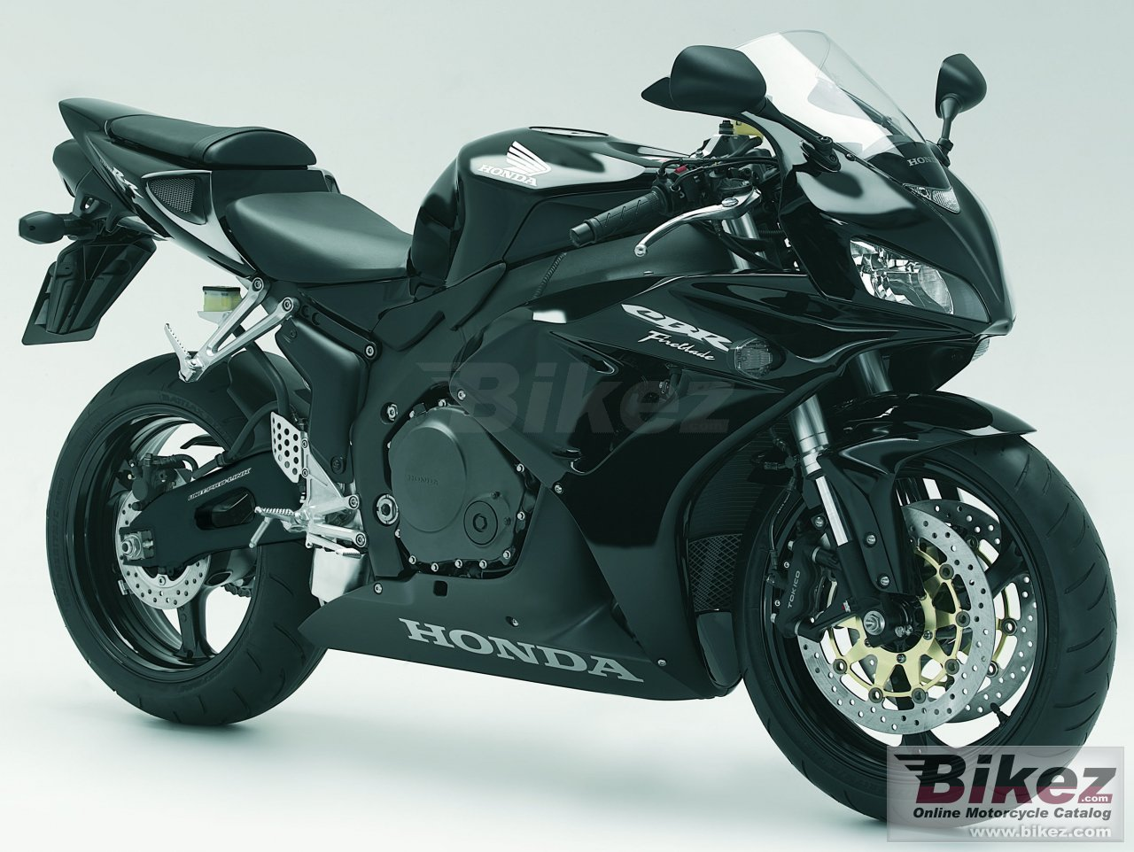 Big Honda cbr 1000 rr picture and wallpaper from Bikez.com