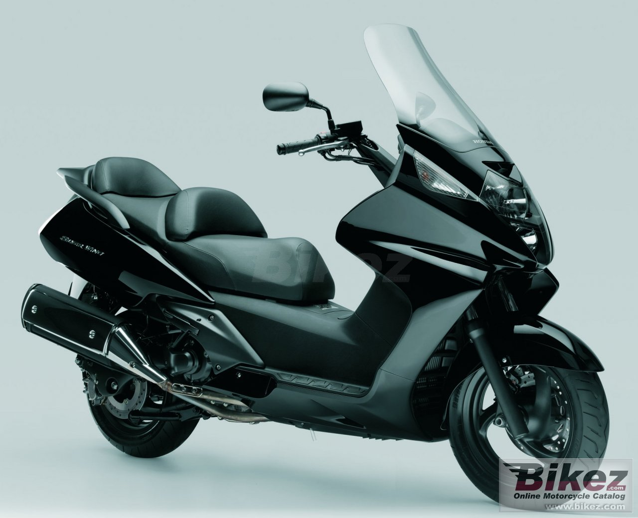Big Honda silver wing 400 picture and wallpaper from Bikez.com