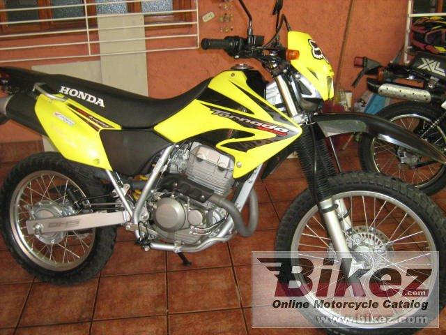 Big picture of xr 250 tornado 2008 xr 250 tornado picture and wallpaper from Bikez.com