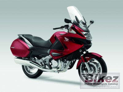 2010 Honda Deauville 700 photo