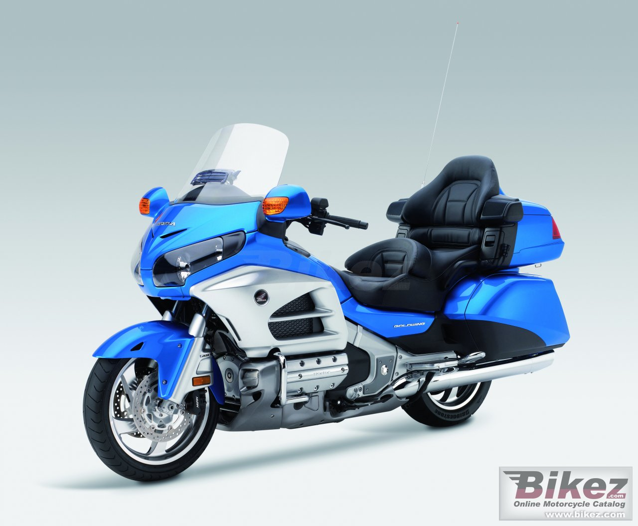 Big Honda gold wing air bag picture and wallpaper from Bikez.com