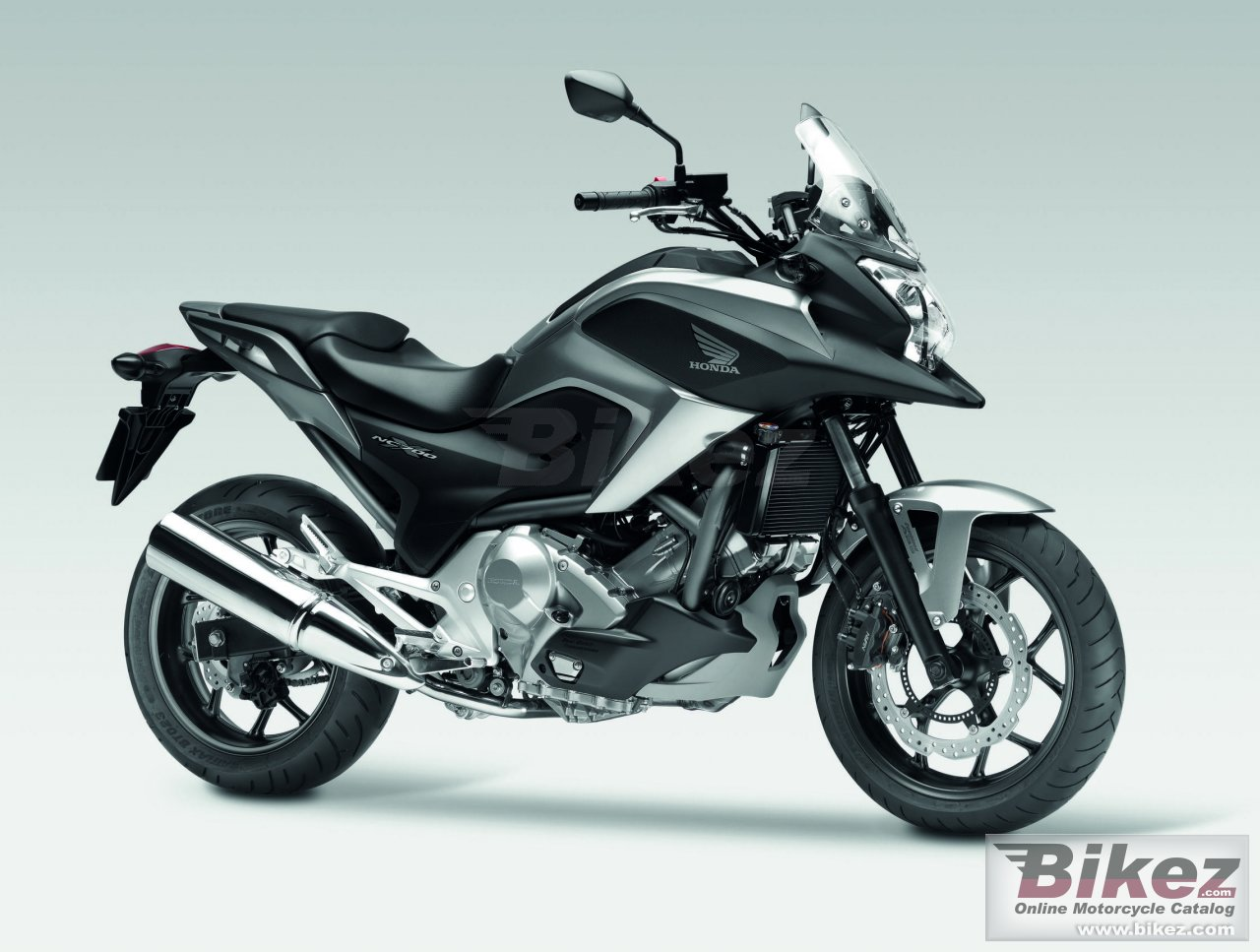 Big Honda nc700x picture and wallpaper from Bikez.com