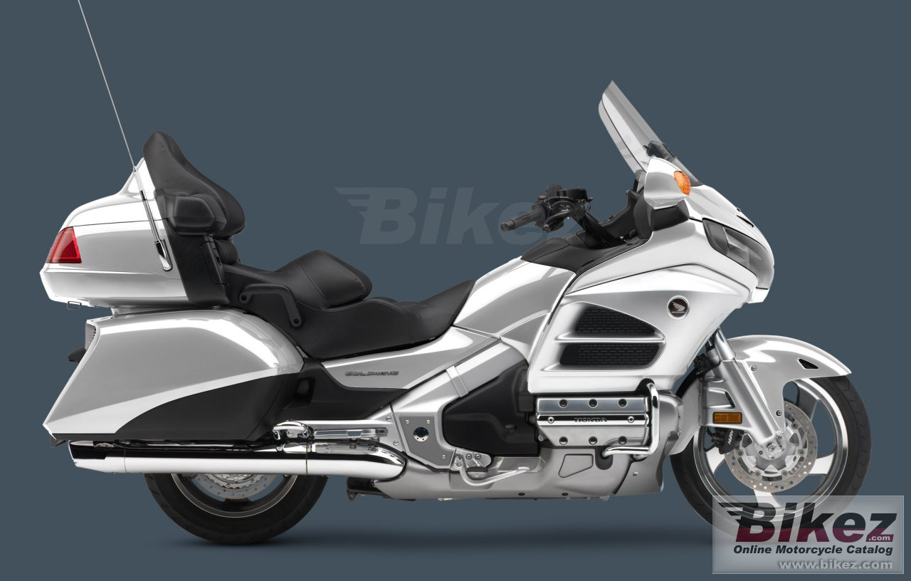 Big Honda gold wing audio comfort picture and wallpaper from Bikez.com