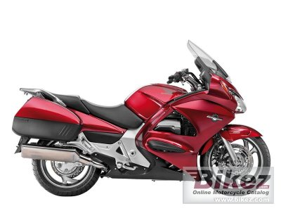 2013 Honda ST1300A Pan-European ABS photo