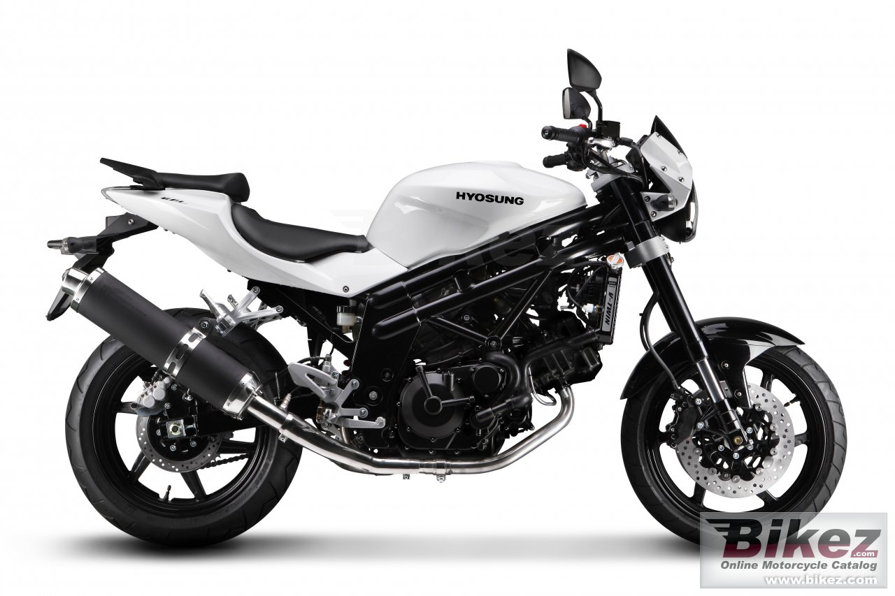 Big Hyosung gt650 picture and wallpaper from Bikez.com