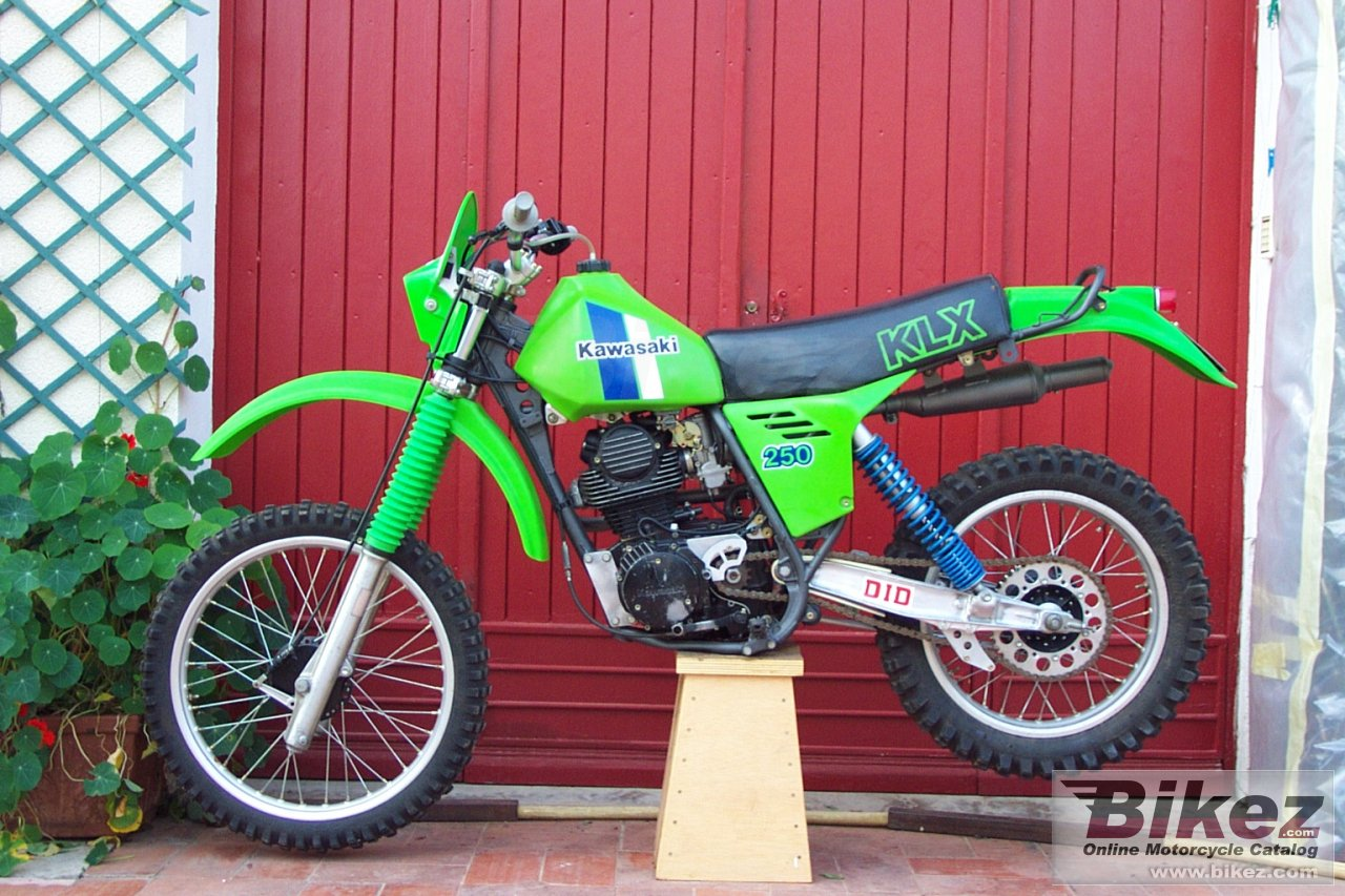 Big e are pictures of my 83 KLX. have a nice journey ! klx 250 picture and wallpaper from Bikez.com