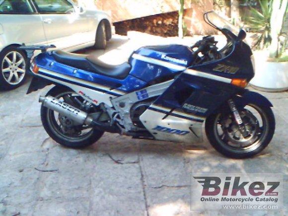 1990 Kawasaki ZX-10 photo
