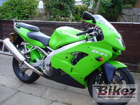 A moto Kawasaki ZXR750 & ZX9R & ZX12R | Moto Clube