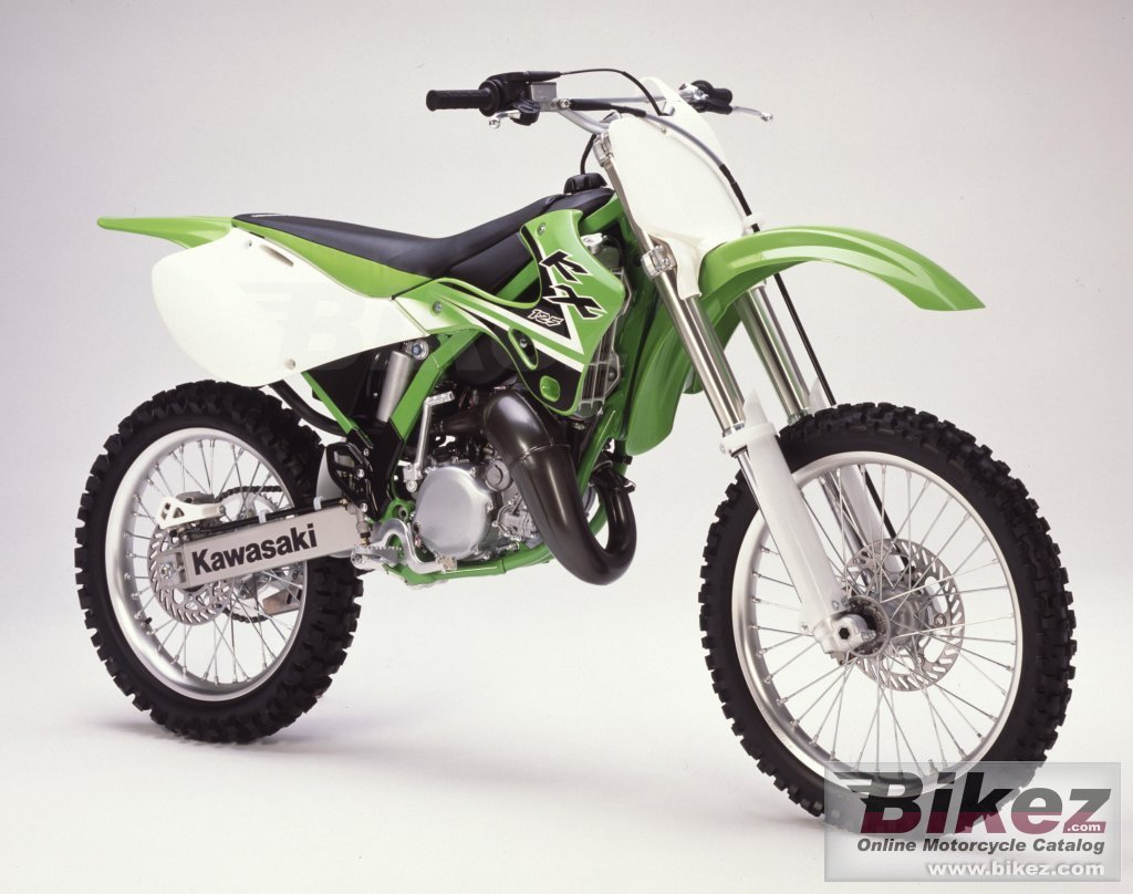 Big i. Published with permission. kx 125 picture and wallpaper from Bikez.com