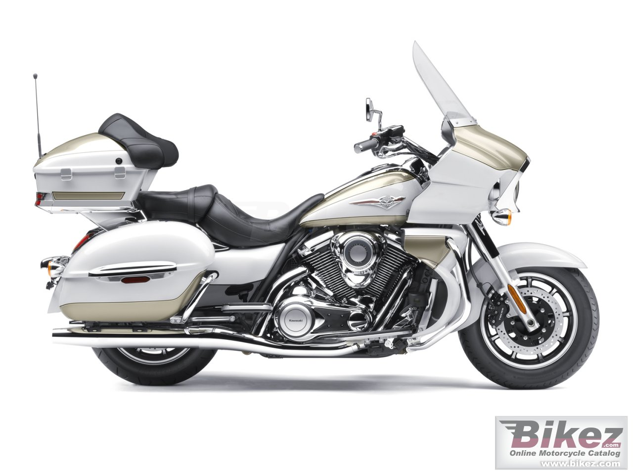 Big Kawasaki vulcan 1700 voyager picture and wallpaper from Bikez.com