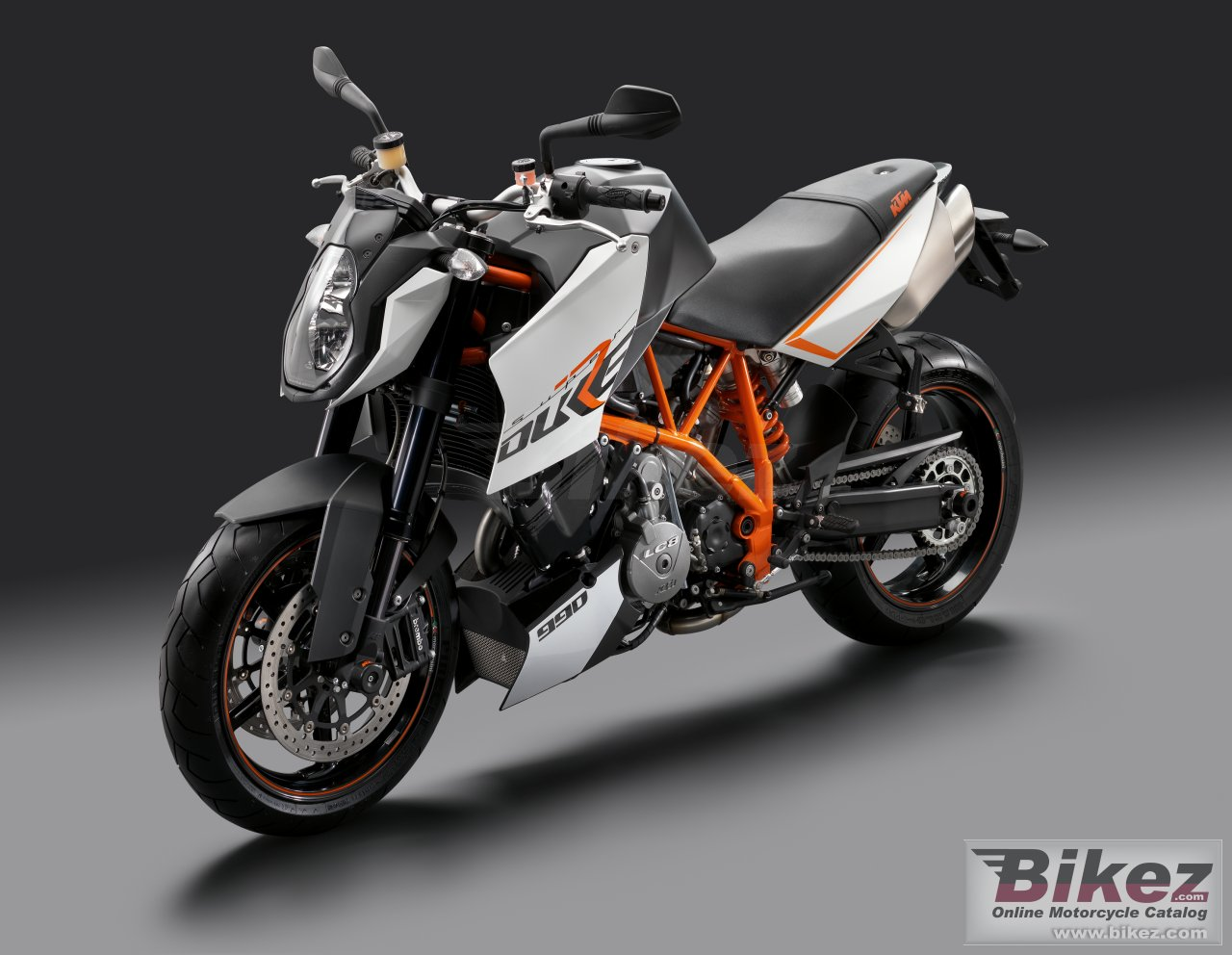 Big KTM 990 super duke r picture and wallpaper from Bikez.com