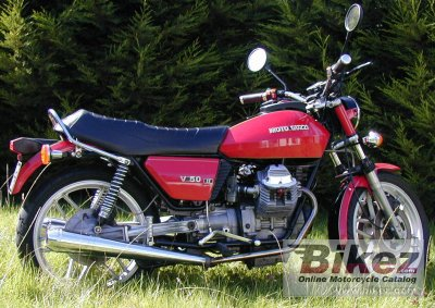 moto guzzi v50 spectacle