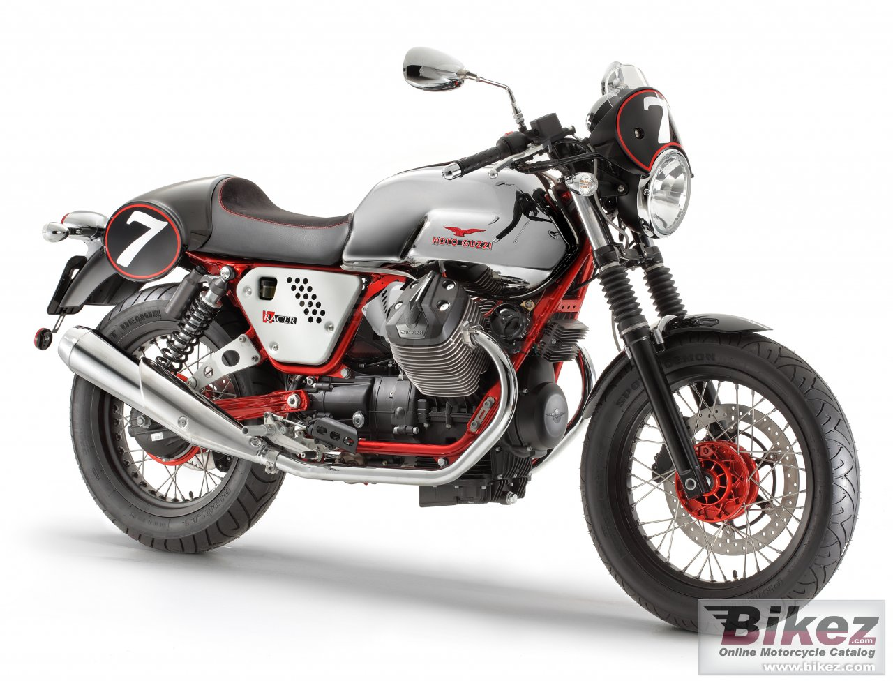 Big Moto Guzzi v7 racer picture and wallpaper from Bikez.com