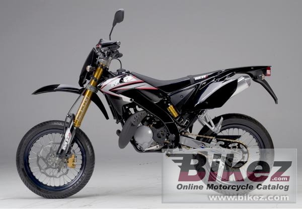 Big Motorhispania ryz 50 pro racing super motard picture and wallpaper from Bikez.com
